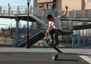 2004 08 0151 David skateboard