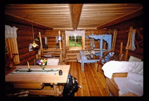 2764 18 Farm house room