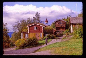 2768 07 Farm house