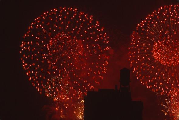 2742 04 Fireworks