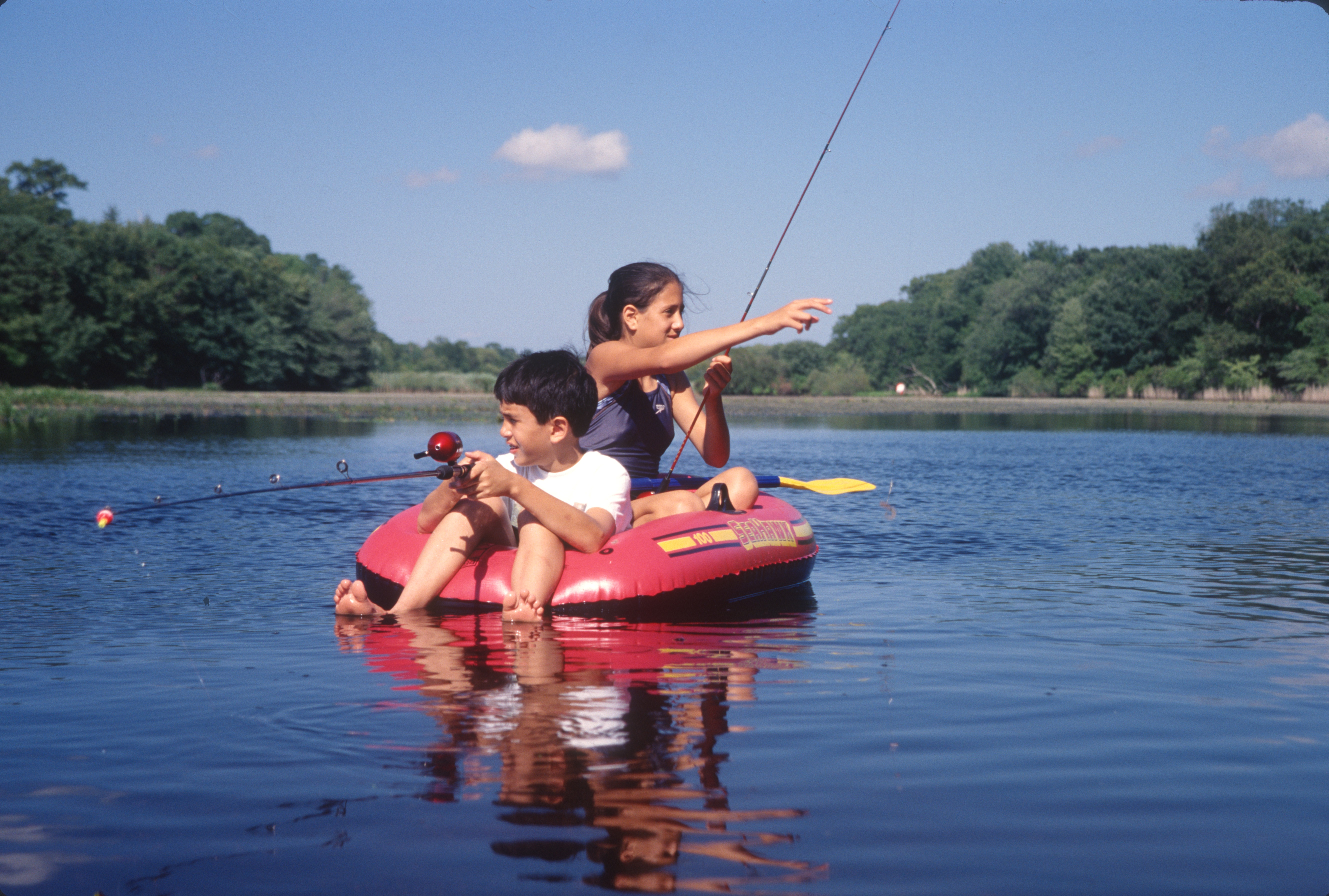 2507 36 Julia David fish raft
